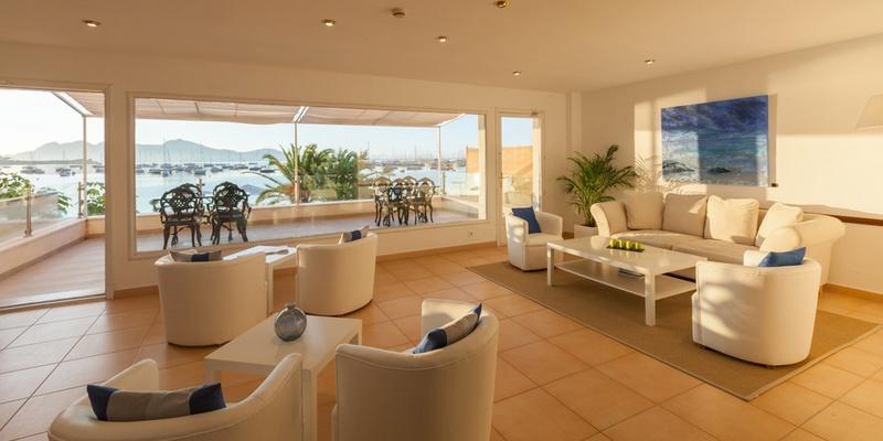 WOHNZIMMER MIT TERRASSE Hotel Capri